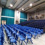 Salle polyvalente : amphi avec scène ou réfectoire